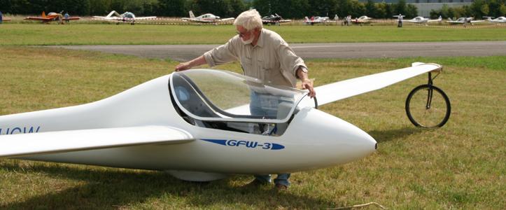 Die GFW-3 von Dr. Gerhard Wagner ist eines von drei 120 kg – Segelflugzeugen, welche als Amateurbauten entstanden und für die alle Nachweise entsprechend LTF-L erbracht sind.  Sie wurden vom Luftsportgeräte-Büro des DAeC zum Betrieb als LL freigegeben und bekamen ein Kennzeichen zugeteilt.  Dieser Weg ist auch für Amateurbauten motorisierter LL-Dreiachser offen. Für die Ausarbeitung der Nachweise motorisierter LL stellt der VMLL sein Know how aus bereits durchgeführten LTF-L Musterprüfungen für 120 kg – Motor-Dreiachser zur Verfügung.