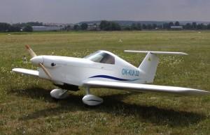SD-1: Mit klassischer Holz-Bauweise und kleinem Budget, aber ohne LTF-L Bremse auch für 160 km/h Reise in der 120 kg - Klasse gut.